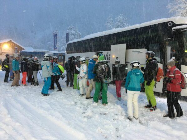 Après-Ski Glühwein am Bus